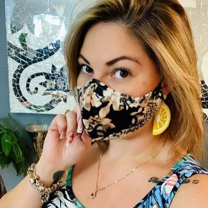 Inspired mask with animal print and flowers